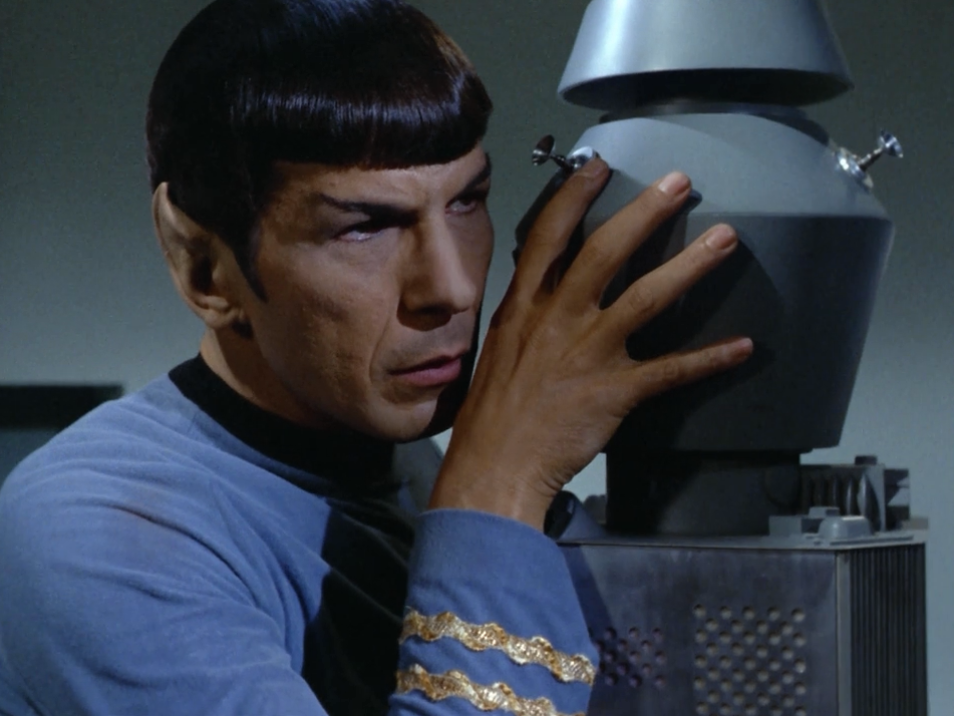 Spock does a mind meld with Nomad