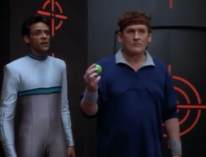 O'Brien manages to start beating Bashir but only because O'Brien was getting really lucky and Bashir was unlucky.
