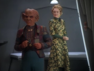 Quark ends up looking like a real pro when it comes to con-men and business.