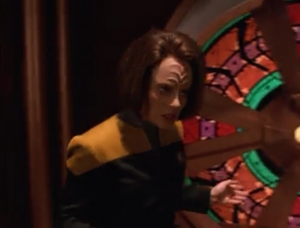 B'Elanna goes back over to argue with the dreadnought computer
