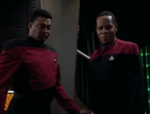 Sisko meets up with an old friend who is in charge of a dispute between the Cardassians and federation settlements