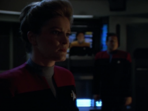 It ends up that the less damaged Voyager self-destructs to stop the Vidiians