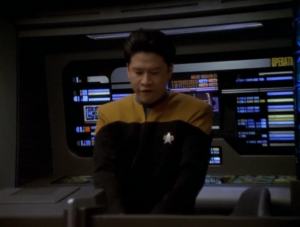 Voyager comes across a ship that wants to talk with them, but Harry decides he wants to fight them