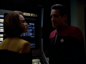 B'Elanna finds a holo-novel that plays out a mutiny by the maquis crew