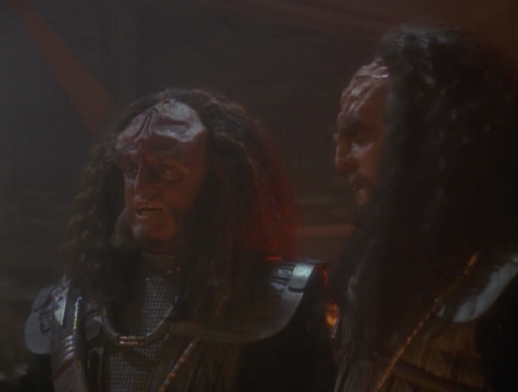 When the Starfleet reinforcements get into sensor range, Gowron reconsiders. Sisko tells him that fighting each other is exactly what the Dominion wants