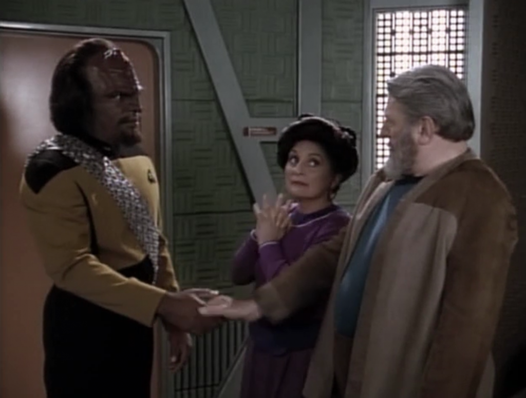 Worf's parents come to visit