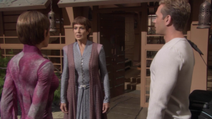 T'Pol and Trip go to Vulcan and stay with T'Pol's mom