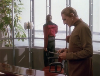Sisko and Odo try to figure out how all the power on earth could have been turned off. They think there might be a link to red squad