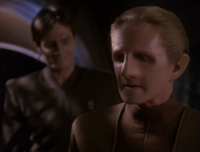Shakaar asks for Odo's advice on getting together with Kira