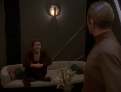 Kira breaks the news to Odo, that her and Shakaar are official