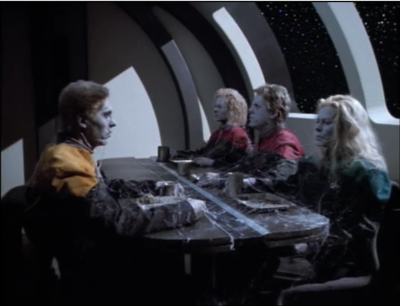 Janeway has a nightmare that everyone on the crew died except Neelix