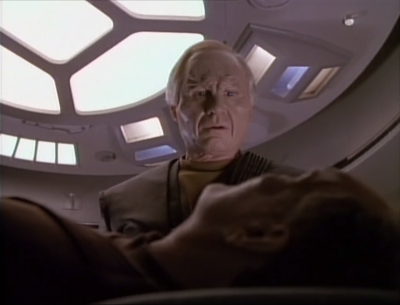 The guy only had it on the stun setting. He doesn't die, but his radical reaction convinces the leader to not pursue relations with the federation. They're not ready for aliens