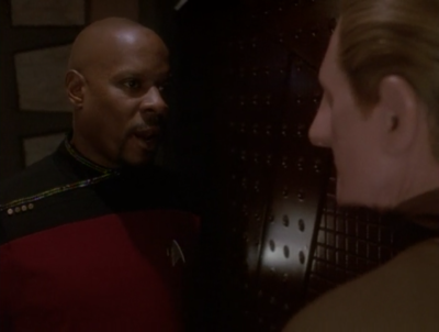Sisko tells Odo to come back at the end of the episode and say it was staged