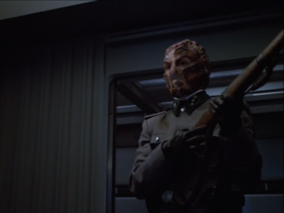 Janeway makes a deal with the Hirogen, but this guy doesn't like deals!