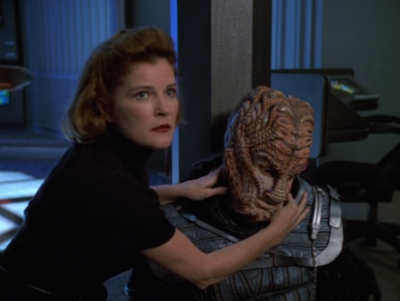 He kills the only good Hirogen guy!