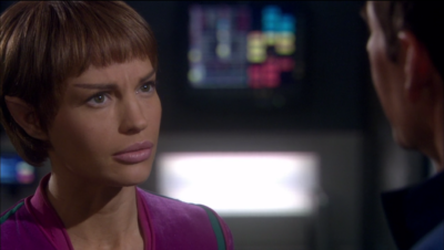 """T'Pol says """"Hey this is weird tho, right?"""" but everyone else is pretty ok with it"""