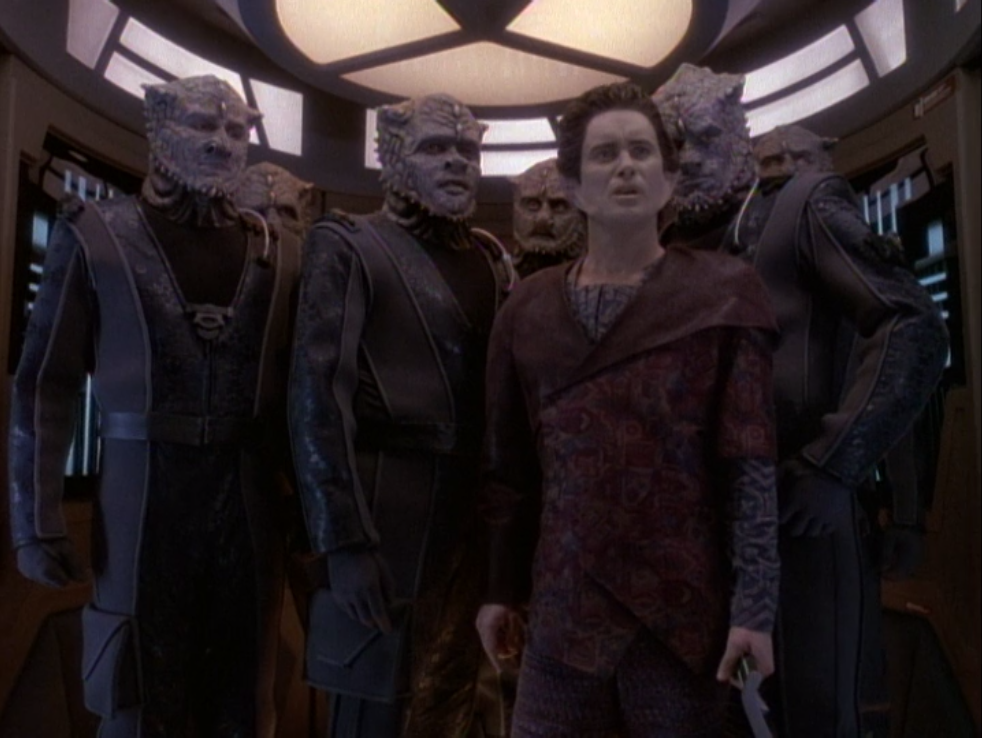 Weyoun! and a squad of Jem'Hadar were tracking down Jem'Hadar that turned against the Dominion