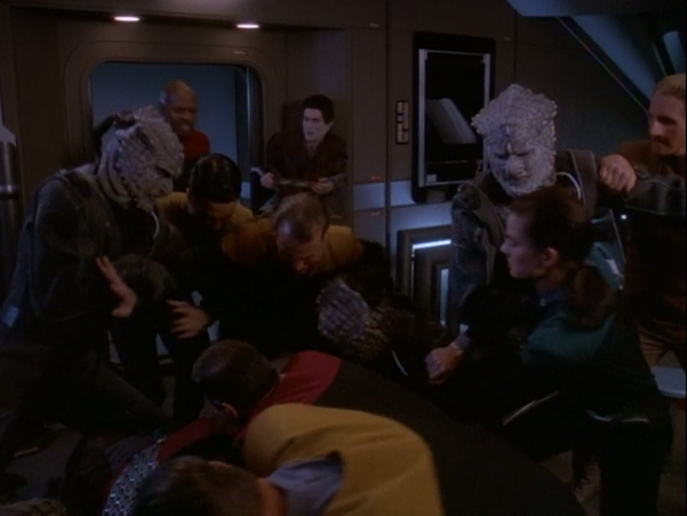 But they don't really get along. I like the rivalry between the Jem'Hadar and Klingons (in case, specifically Worf)